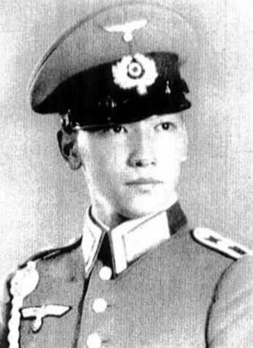 Chiang_Wei-kuo_wehrmacht_LQ