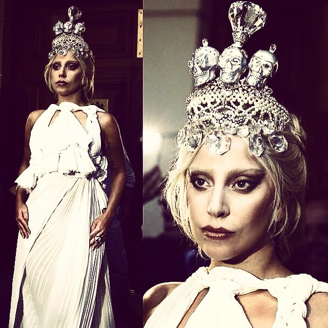 gaga_crown